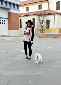 floppy hat outfit 7