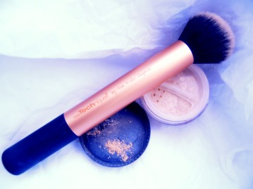 mineral foundation apply